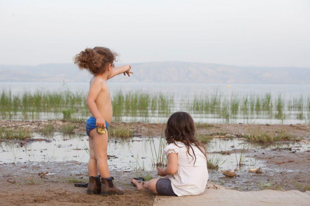 ילדים בחוף כנרת פסטיבל אי שם 2